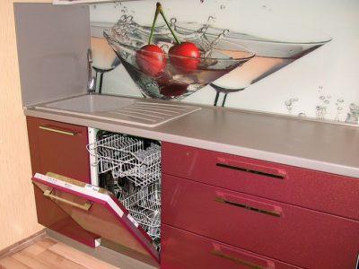 Эксплуатация посудомоечной машинки в Новый год